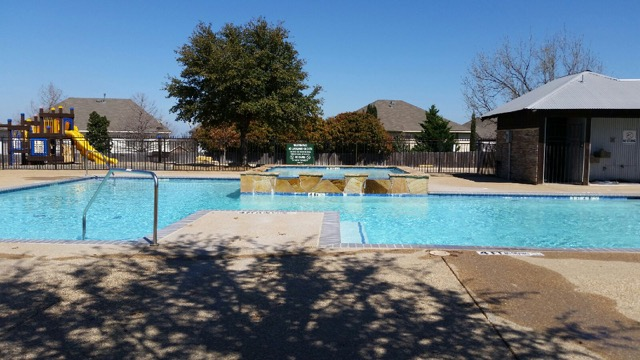 Dallas Commercial Pools